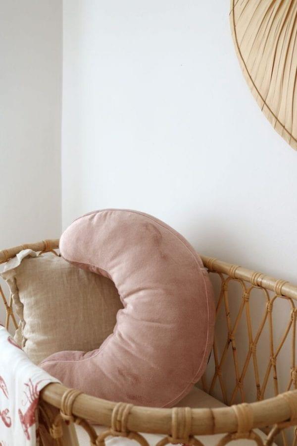 poduszka do karmienia pudrowy roz otulacz lobster pink2