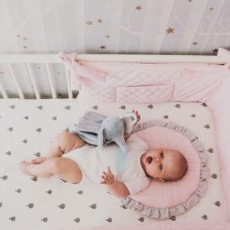 plaska poduszka dla najmlodszych rozowa 2035