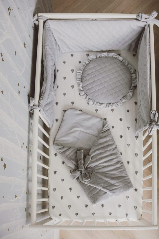 plaska poduszka dla najmlodszych szara 2029