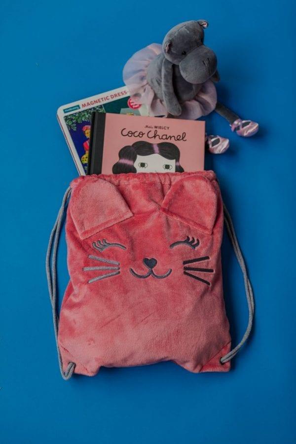 plecako worek , przytulanka , książki ,