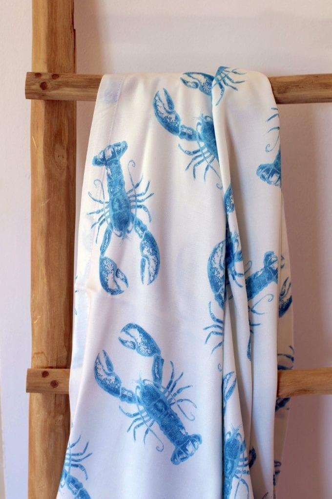 lobster blue chusta bambusowa otulacz zblizenie