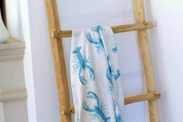 lobster blue chusta otulacz zblizenie drabina