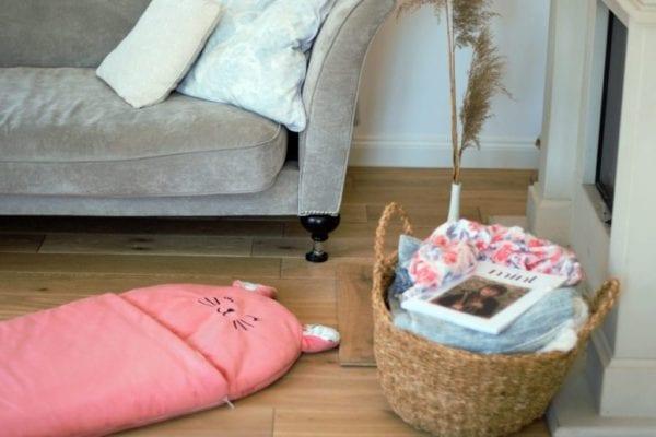 spiworek sleepover truskawkowy kotek s kosz