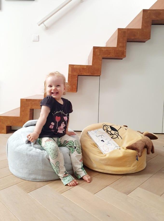 mini puf dla dzieci mini pufa do pokoiku szary zajac piaskowy lew siedzisko dla dzieci