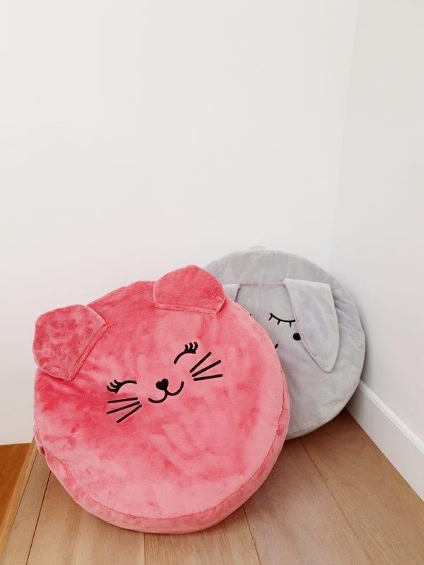 truskawkowy kotek szary zajac z wypelnieniem mini pufa dla dzieci mini pufa do pokoiku siedzisko dla dzieci