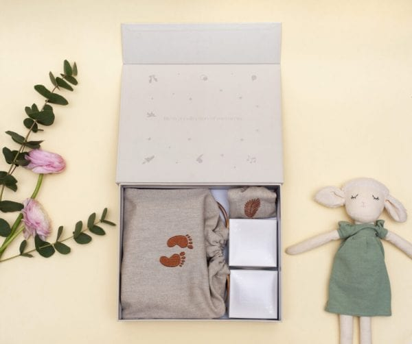 moments box beige otwarte