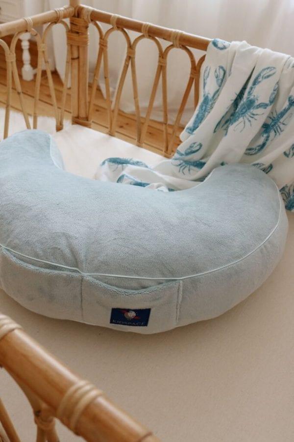 poduszka do karmienia mietowa otulacz lobster blue 3