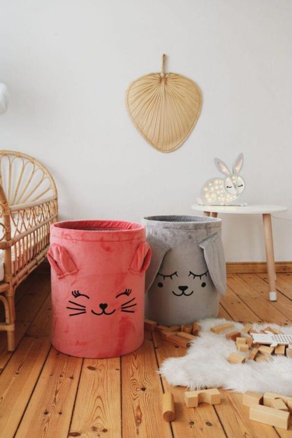 kosze szary zajac i truskawkowy kotek