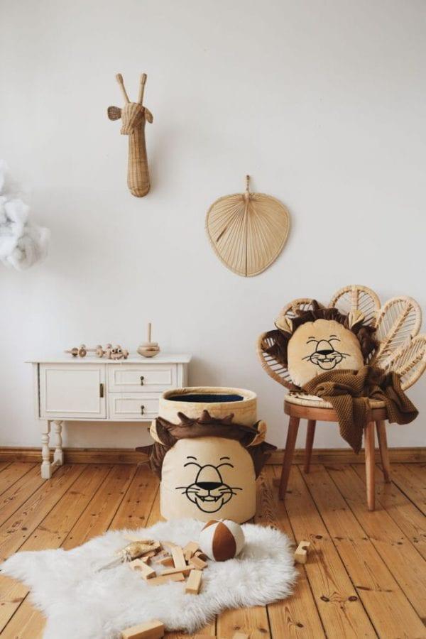poduszka zwierzaki piaskowy lew i kosz na zabawki piaskowy lew
