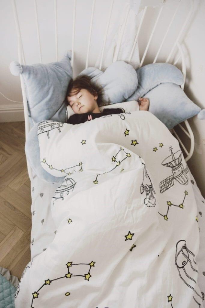 jak nauczyc dziecko zasypiania