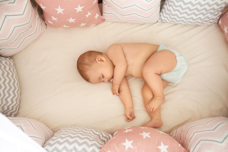 Jak ubierać dziecko do snu