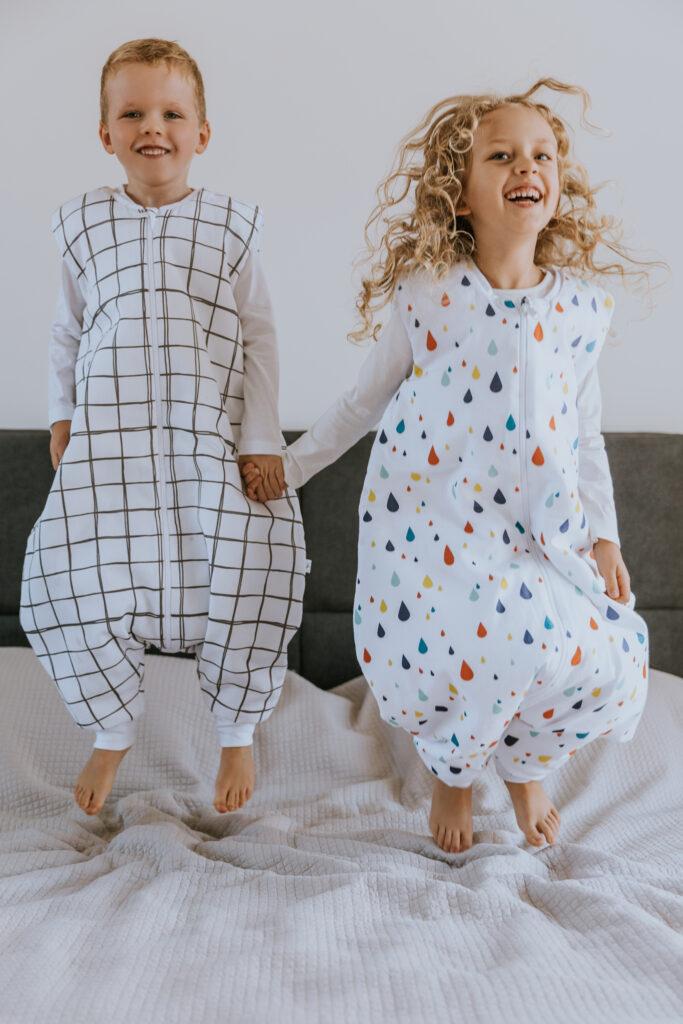 Śpiworek do spania dla dziecka z nogawkami 2-4 lata - KRATKA