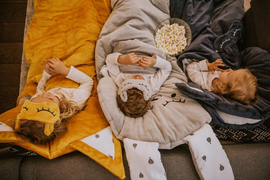 Śpiworek Sleepover Medium 160x80 - Szary zając
