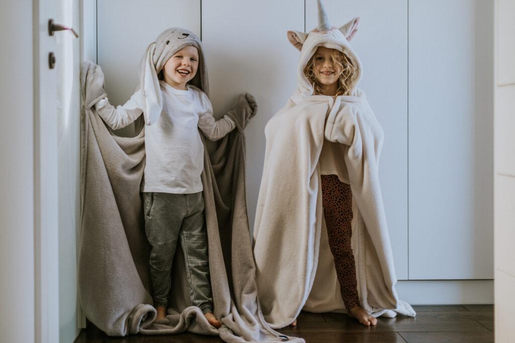 Koc z kapturem dla dzieci - jednorożec