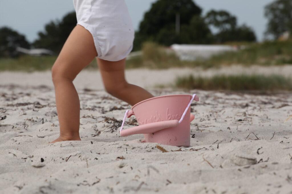Silikonowe wiaderko sylikonowe do piasku i wody Scrunch Bucket – Różowe