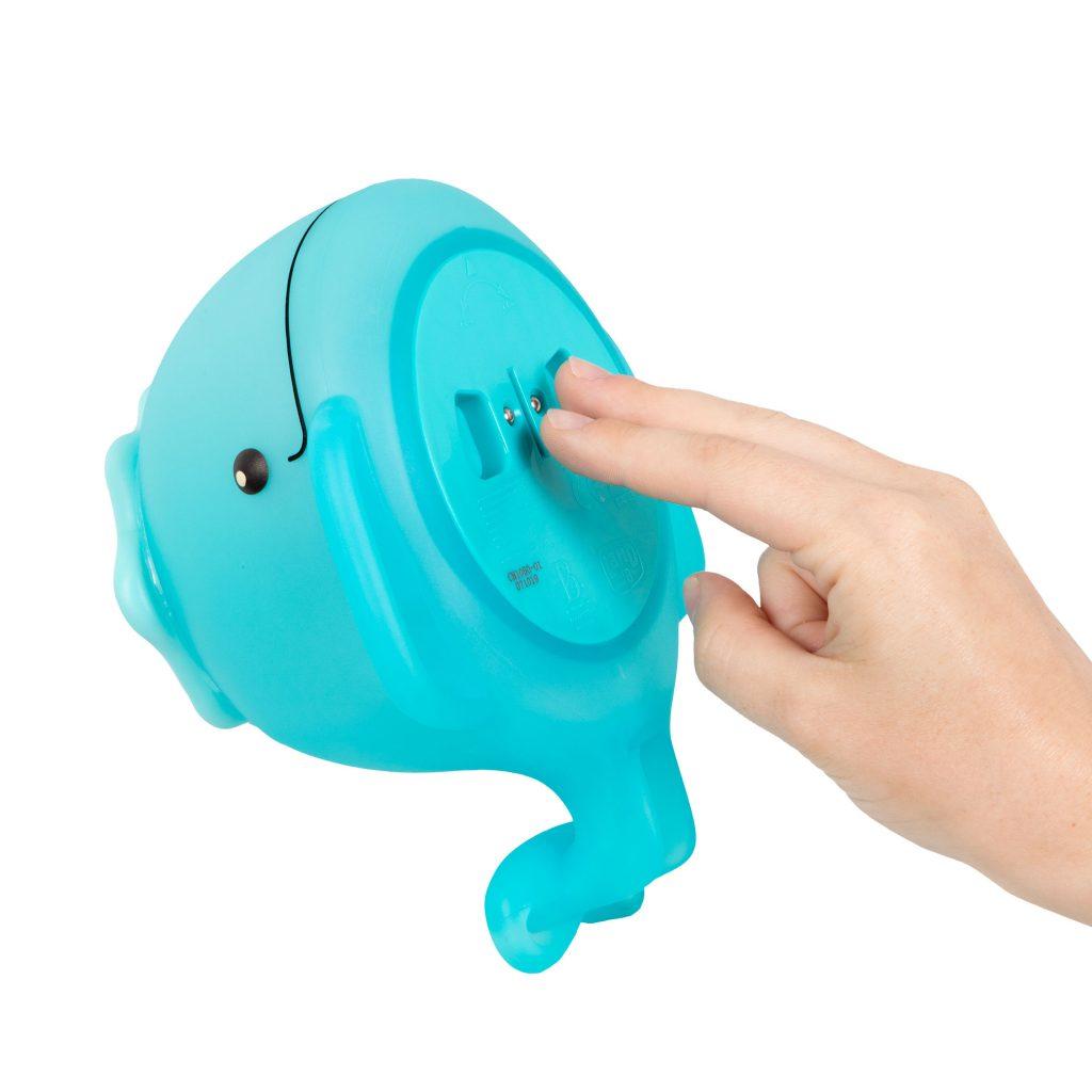 Świecący wieloryb z sikawką żabką do kąpieli od B.Toys
