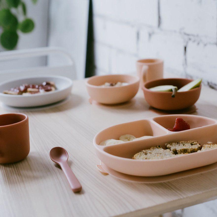 Zestaw dwóch silikonowych miseczek dla dzieci w kolorze róż/ceglany od Ekobo